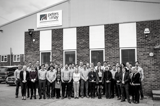 Peters & May Staff Photo - Des experts en logistique sur mesure