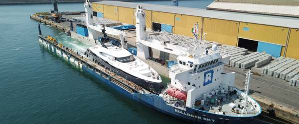 63m Superyacht loaded onboard a vessel using Flo-Flo technology