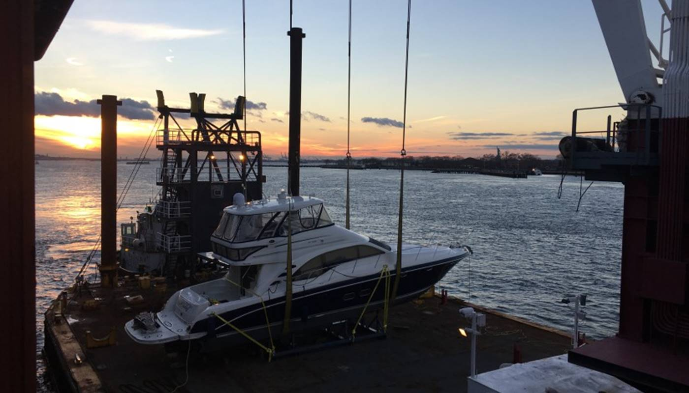 Sea Ray boat transported from New York to Sydney