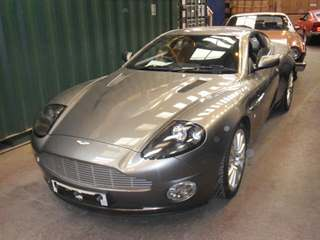 Bespoke logistic transportation of an Aston Martin