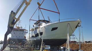 Superyacht lifted in to place by Peters &May Loadmasters