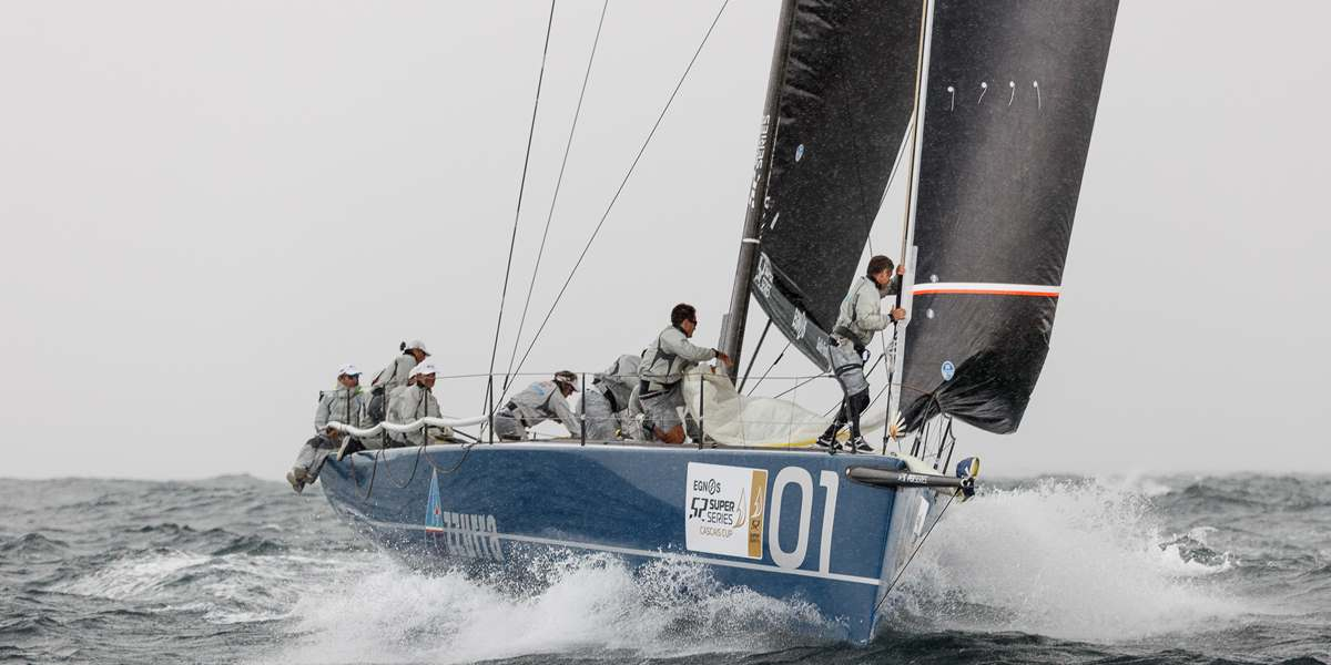 TP52 Azzurra racing in the Cascais Cup