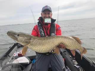 Peters & May's team at World Predator Classic catch biggest fish of the competition