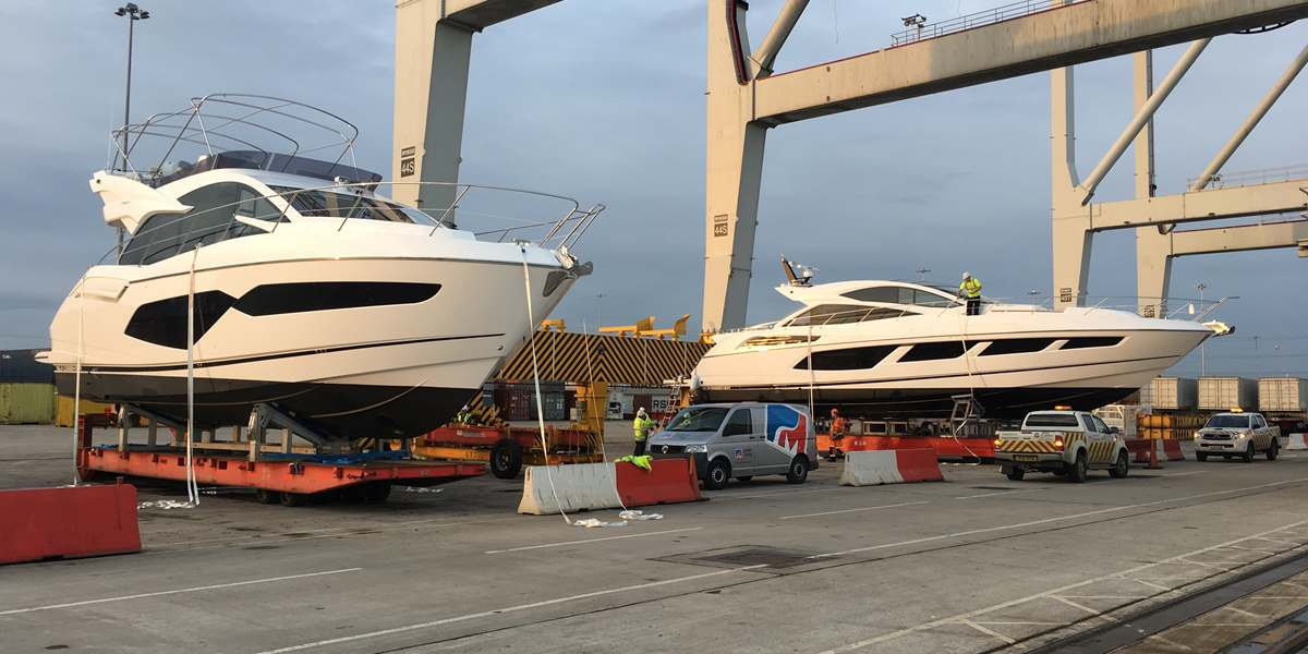 Sunseeker Manhattan 52 and Sunseeker Predator 68 shipped from Southampton to Jebel Ali