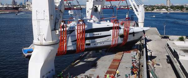 Superyacht 'Reem 1' being loaded on deck